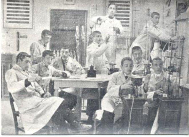 Resultado de imagen de cientificos antiguos